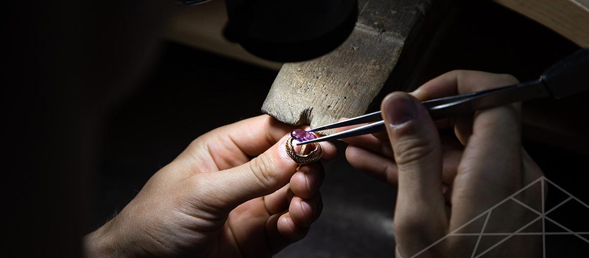 Buy gems from Ceylon