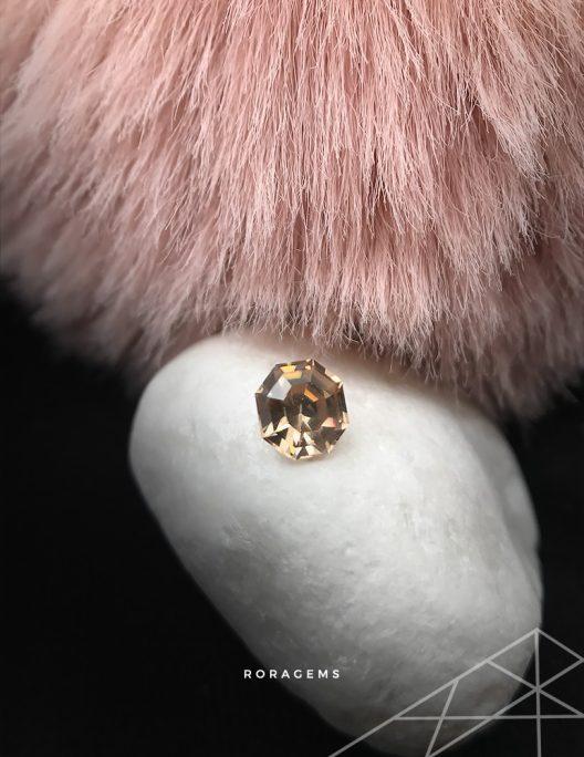 pink yellow zircon - jewelry business - best buy sri lanka ceylon gemstones