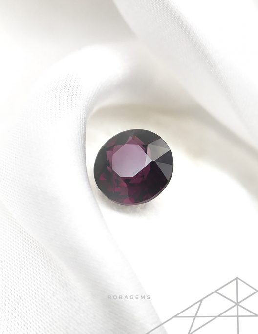 purple spinel gemstone for Contemporary jewelery artists