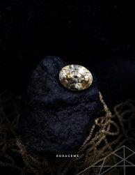 Gemstones for sale - Golden yellow Zircon from Roragems